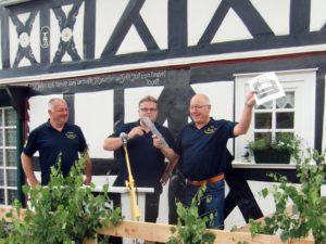 Ehrung des DKS-Gründungsmitglieds Bernd Kiefer (rechts)